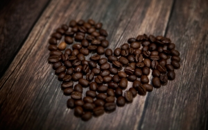 heart-coffee-beans